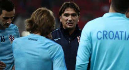 """""""ซูเคอร์"""" ยืนยัน """"ดาลิช"""" จะยังคงได้รับตำแหน่งผู้จัดการทีมลุยบอลโลกปีหน้า"""